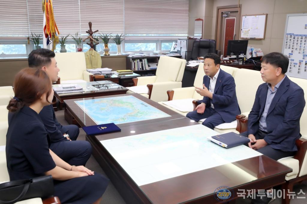 2019.08.20. 보도자료(옹진군, 고문 공인노무사 위촉) (2).jpg